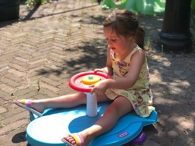 Ouderwetse waterpret met de Dual Twister van Little Tikes