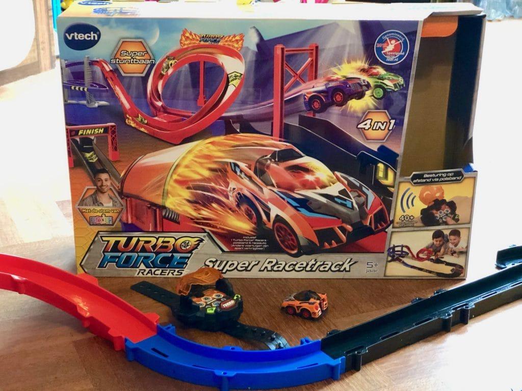Tip: De Turbo Force – Super Racetrack Set van VTech