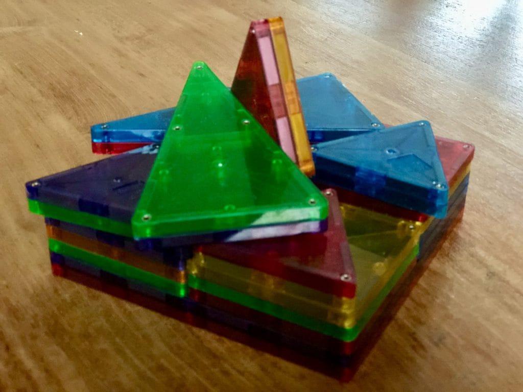 Bouwen met de magnetische tegels van Magna Tiles