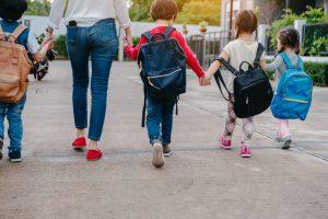 naar school brengen