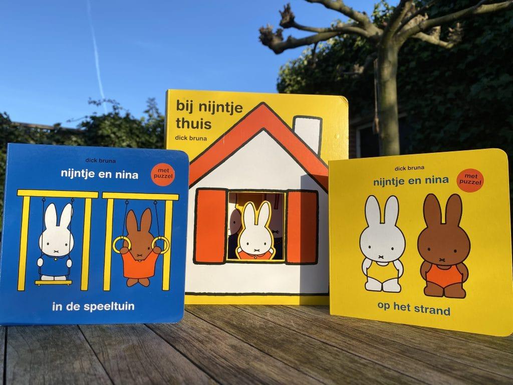 Bij Nijntje thuis, Nijntje en Nina in de speeltuin, Nijntje en Nina op het strand